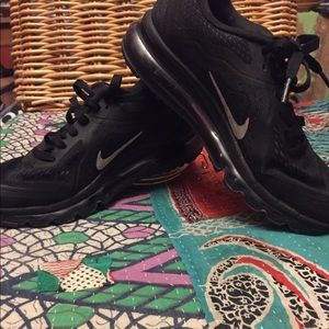 Nike Air Max 2014  women's 7.5 pre owned
